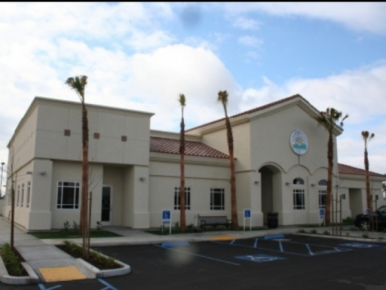 Enterance to the Central Bakersfield Health Center
